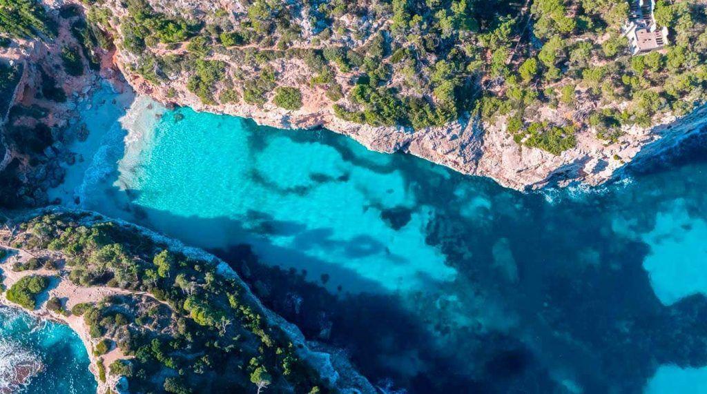Vista aérea de es Caló des Moro