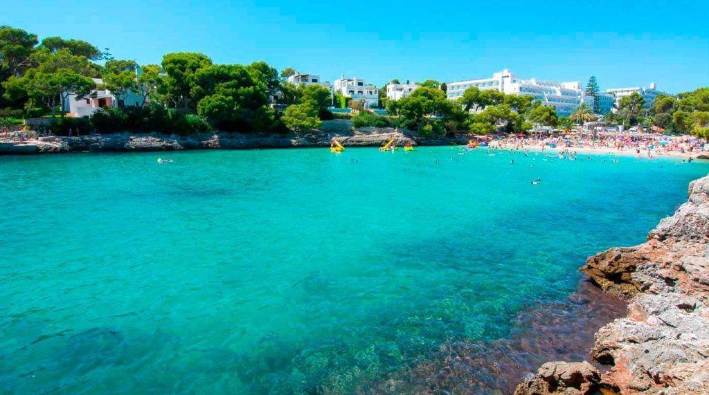 playa de Cala Gran en Cala d'Or, Mallorca