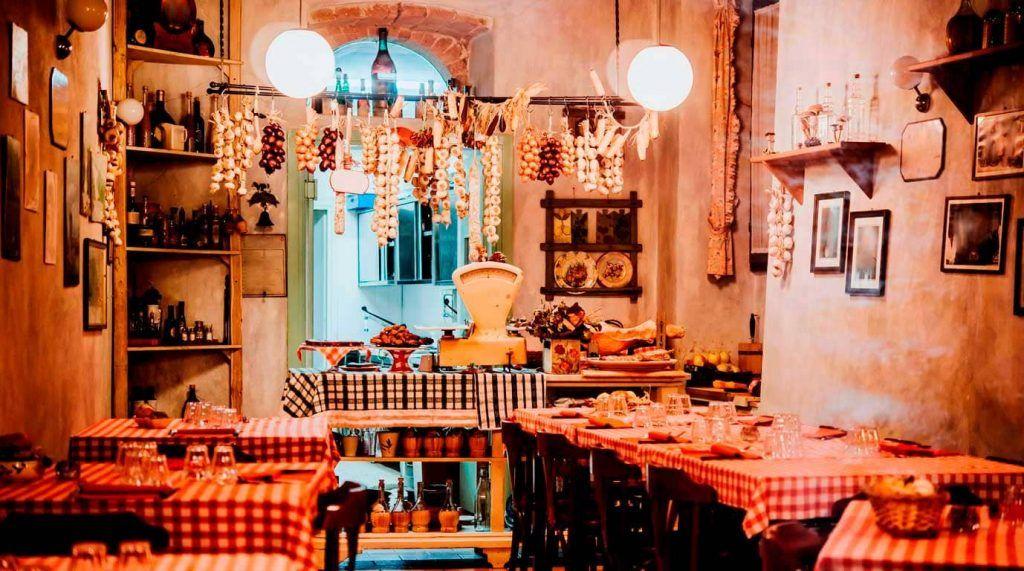 interior de una tipica trattoria italiana