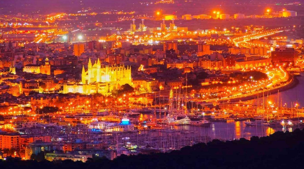 Paseo Marítimo de Palma de Mallorca by night