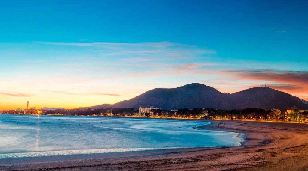 Playa de Alcudia al anochecer