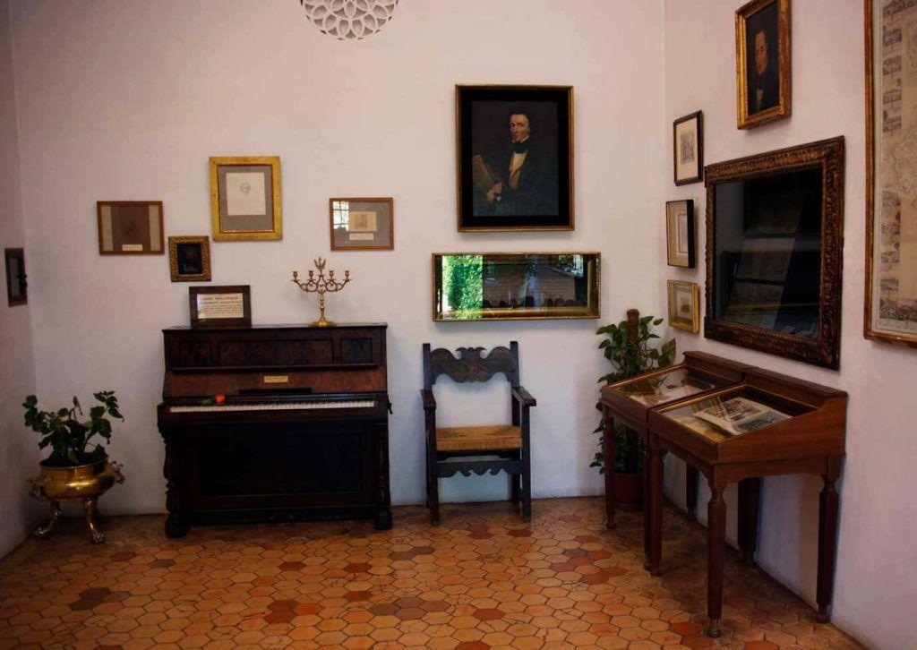 Piano-de-Frederic-Chopin-en-la-Real-Cartuja-de-Valldemossa