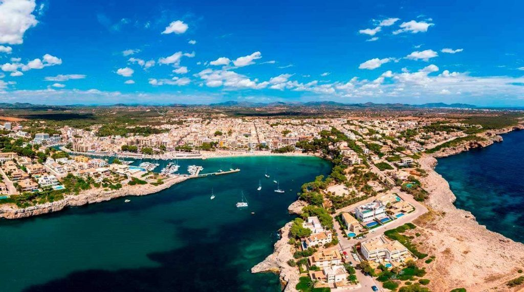 vista aérea de la playa de Porto Cristo